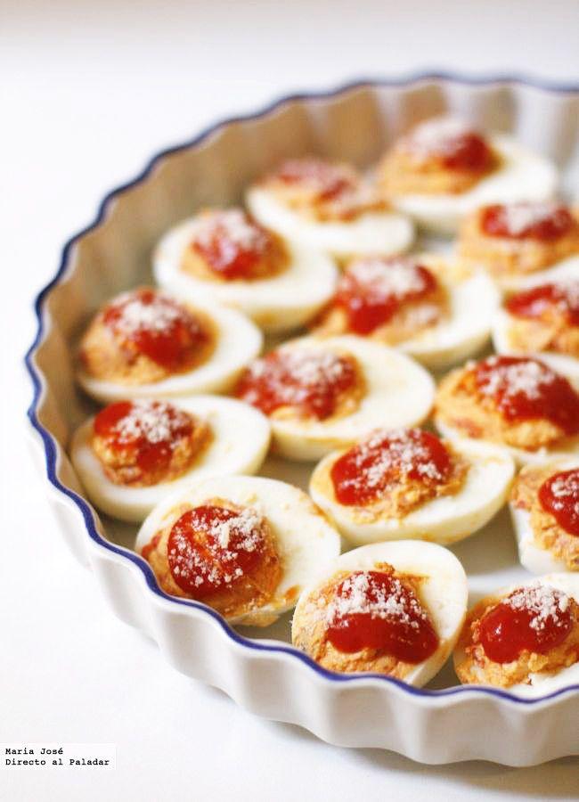 Receta de huevos gratinados con piquillo y anchoas. Fotos con el paso a paso del proceso de elaboración. Sugerencia de presentación. Consejos de elaboración