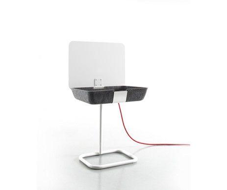 Stolik Pad Box z regulowaną podstawą rośnie razem z Twoim dzieckiem. Funkcjonalny, nowocześnie zaprojektowany.