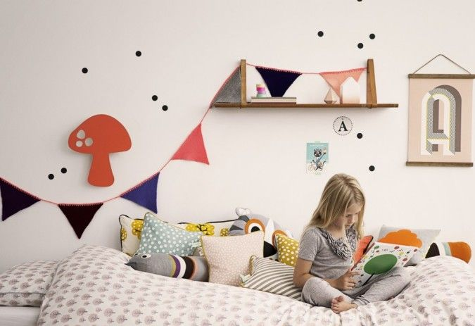 Inspiration for Gus' ferm living triangles.. small clusters with big spaces instead of covering whole wall.