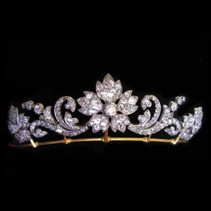 A VICTORIAN DIAMOND FLOWER TIARA