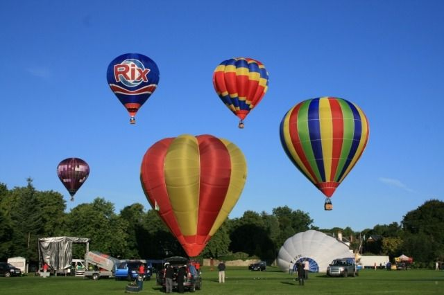 (PHOTO: VisitLanarkshire)  August Bank Holiday 2016: Things to do in the UK:  Lanarkshire: International Hot Air Balloon Festival  Prepare for lift-off in Lanarkshire as the International Hot Air Balloon Festival returns to John Hastie Park Strathaven from 26 to 28 August as the only event of its kind in Scotland. Balloon launches will take place each day at around 6am and 6.30pm, and there will be at least 15 balloons tethered to the ground to allow for a closer view.