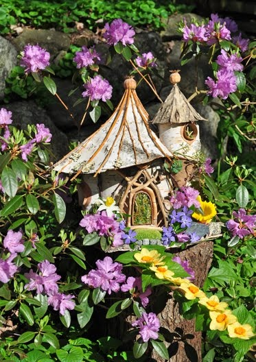 Faerie house #fairy #faries i want a garden that i can put together a make believe  fairy garden with little houses and toad stools