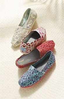 TOMS shoes $19.95