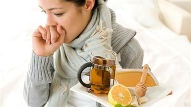 Chřipka a nachlazení: pomůže opravdu zázvor, česnek a citron?