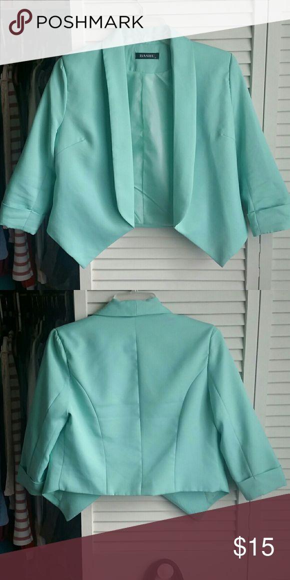 Quarter sleeve mint jacket Worn Max three times. Quarter sleeve jacket, Mint. Jackets & Coats