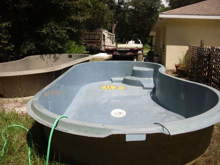 Inground fiberglass swimming pools 10 39 x20 39 x28 inches deep for Cost to build shell of house