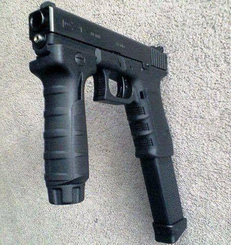 Glock 18 Gen 4 9mm Automatic Machine Pistol w/ fore grip ...