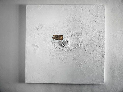 ANDĚL ZKÁZY   THE EXTERMINATING ANGEL - kombinovaná technika na sololitu, nalezené předměty - mixed media on hardboard, found objects 110 x 110 cm