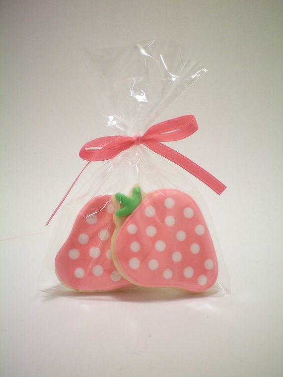 Sugar Cookies! cute for strawberry shortcake party favors
