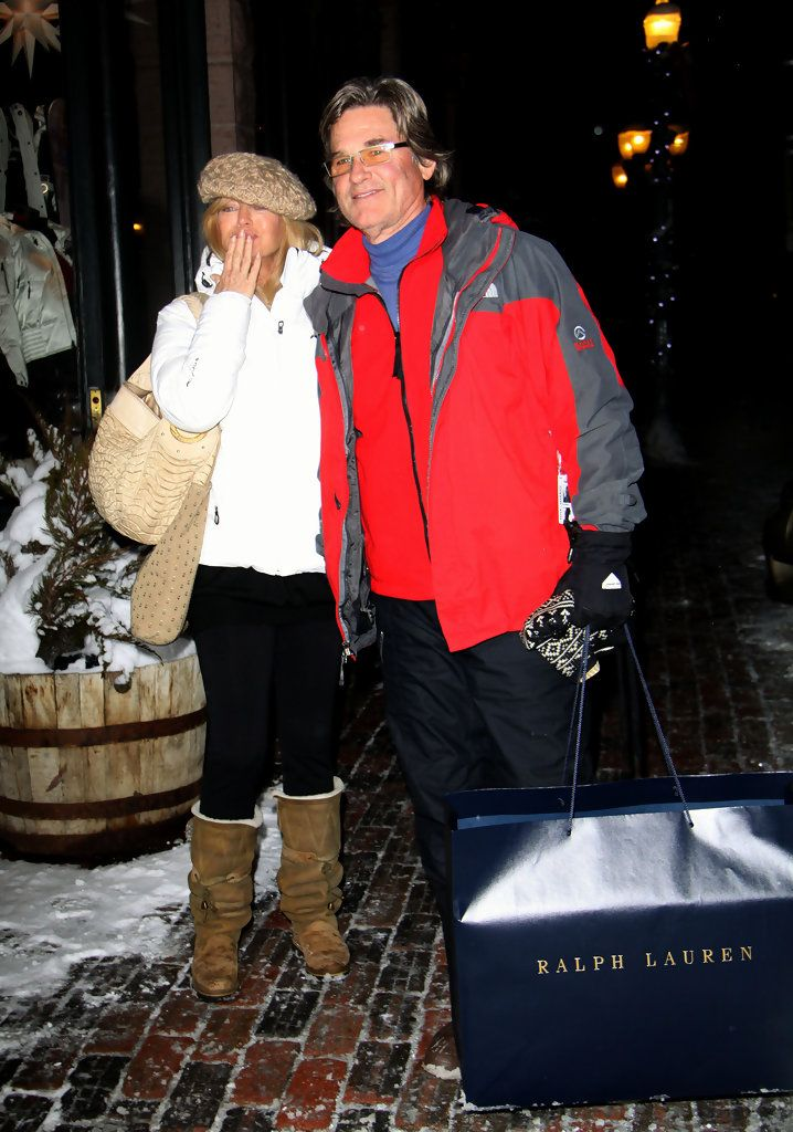 Hollywood legends Goldie Hawn and Kurt Russell brave the cold to go shopping at Ralph Lauren in downtown Aspen, Colorado...they were in high spirits and even smiled and waved at the paparazzi.: