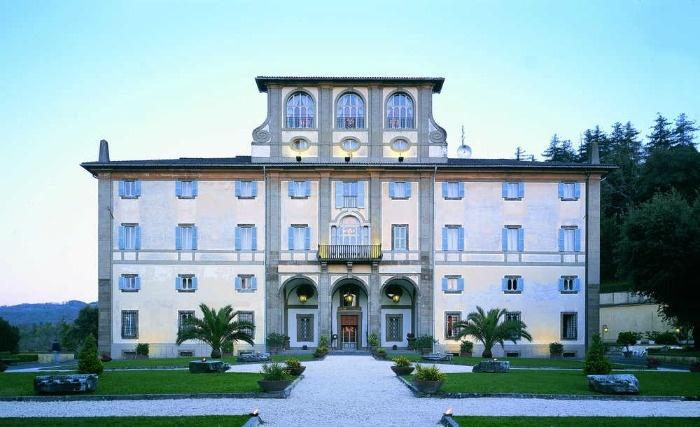 Villa for weddings on Roman hills  http://www.initalywedding.com/home-en