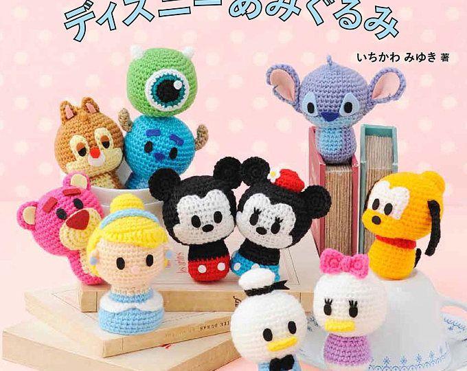 Disney  Amigurumi Book Palm Size - Crochet Book - Knitting Book  Livre de Crochet