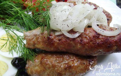 Рецепт – Люля-Кебаб с маринованным луком и соусом