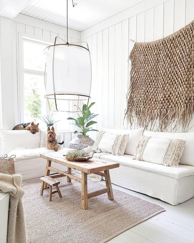Summerhome Interior Design: Coastal Boho Style Living Room #seagrass #boardandbatten