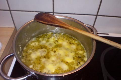 Jak uvařit cizrnovou polévku s muškátovým květem | recept