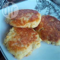 Фото рецепта: Оладьи из картофельного пюре