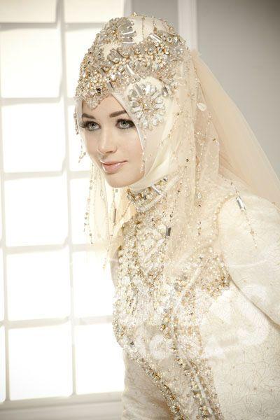 Stunning wedding bridal hijab. Just beautiful!!