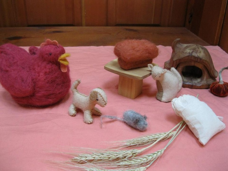 "Puppet play ""Little red hen"""