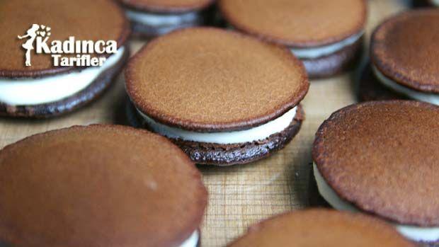 Kakaolu Süt Burger Tarifi nasıl yapılır? Kakaolu Süt Burger Tarifi'nin malzemeleri, resimli anlatımı ve yapılışı için tıklayın. Yazar: Sümeyra Temel