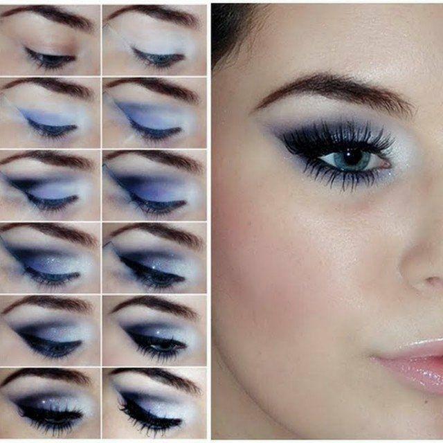 Ein Smokey-Eye-Effekt in blauen Nuancen und Weiß