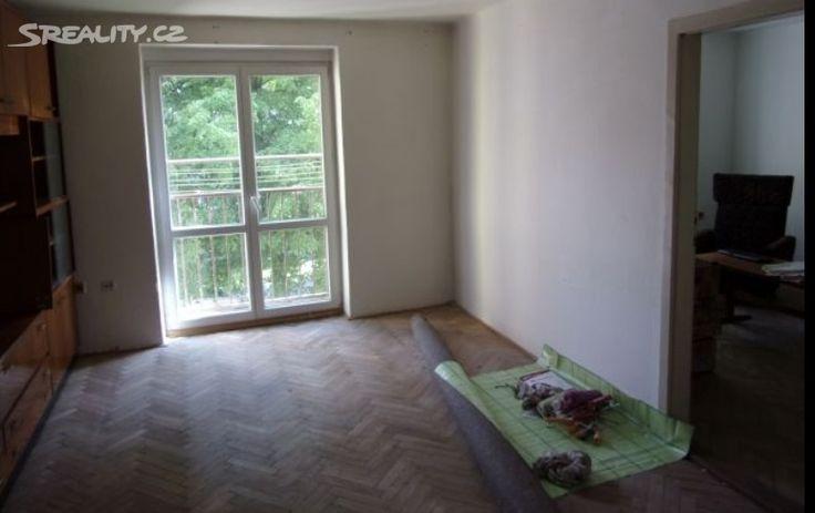 Byt 2+1 54 m² k prodeji Ostrava, okres Ostrava-město; 655000 Kč (včetně advokátní úschovy peněz), balkón, cihlová stavba, osobní vlastnictví, ve velmi dobrém stavu.