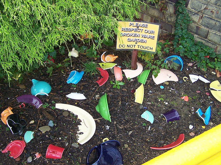 Broken Fiestaware Garden - love it and the sign ;)