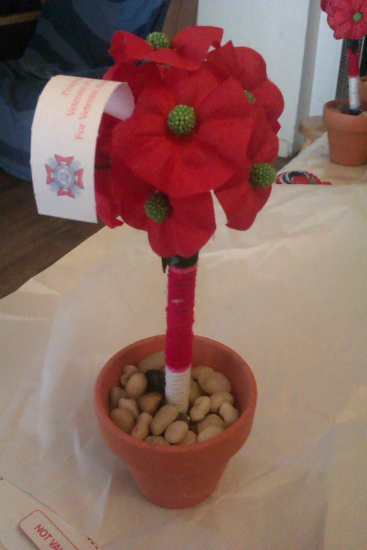 Veterans of Foreign Wars Buddy Poppy Topiary Pen. Cool idea!