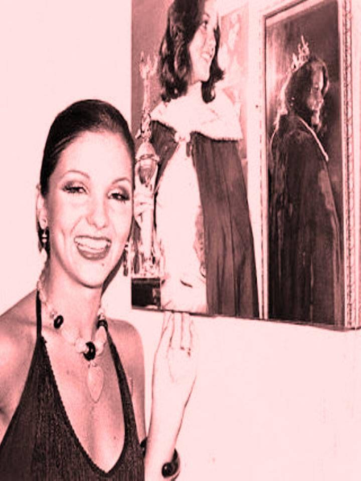 Elluz Peraza Miss Guarico y la Candidata consentida de Osmel Sousa, quien la preparo en Secreto.. para el Miss Venezuela 1976 by Antoni Azocar