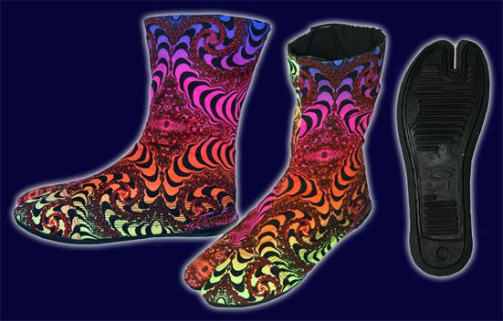 Ninja Boot  : Rainbow Fractal http://www.spacetribe.com/shop/accessories-footwear-c-158_287.html