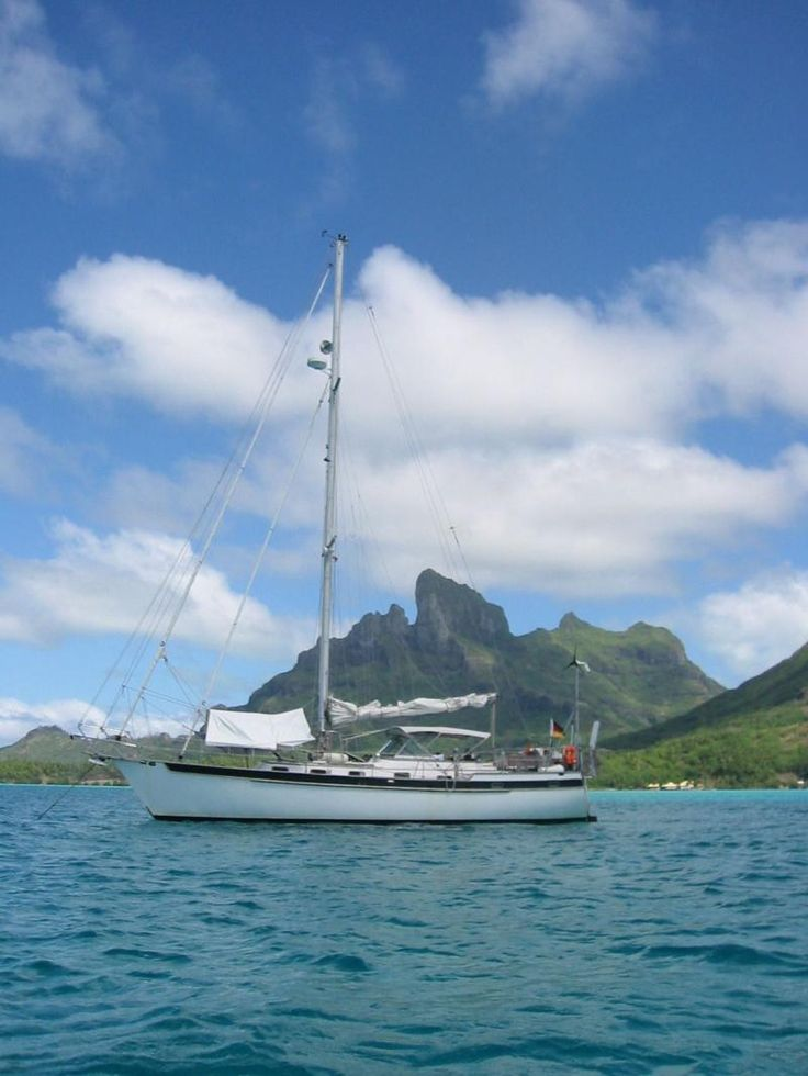 Experience living and sailing on a yacht with an experienced captain, out of the holiday island of Langkawi - workaway.info