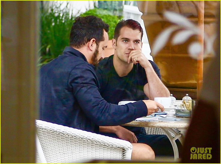 henry-cavill-armie-hammer-wrap-uncle-tour-in-rio-09.jpg (JPEG Image, 1222×910 pixels) - Scaled (70%)