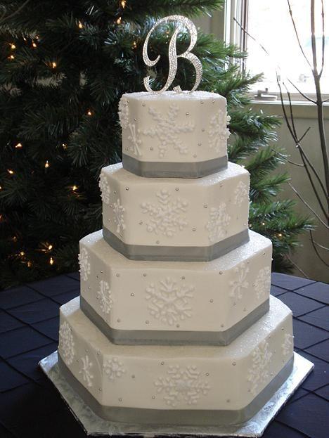 snowflake++and+berries+wedding+cake+christmas | Platnium Christmas Snowflake Cake