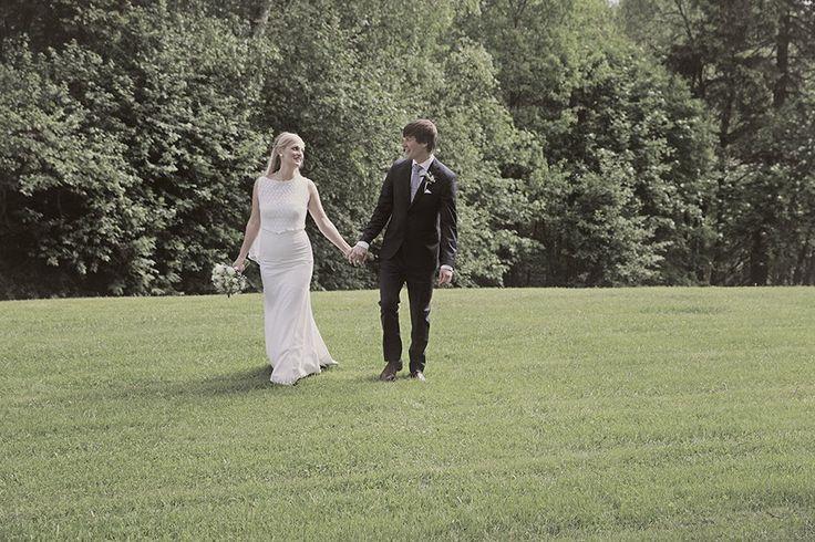 Vintage inspired Wedding Dress, Floral Lace, Beautiful Pregnant Bride, Romantic Wedding Dress by Ellen Aga, Photo by Julia Maria Naglestad