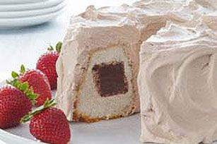 Adults and kids will enjoy this tasty dessert that combines chocolate plus other yummy ingredients. Prepare it and celebrate the best moments!