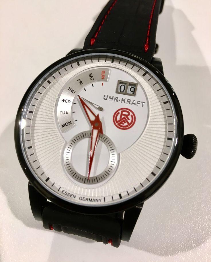 Erster und einziger Prototyp für die #ROTWEISS ESSEN Uhr-Kraft-Uhr fertiggestellt und übergeben.😊👍