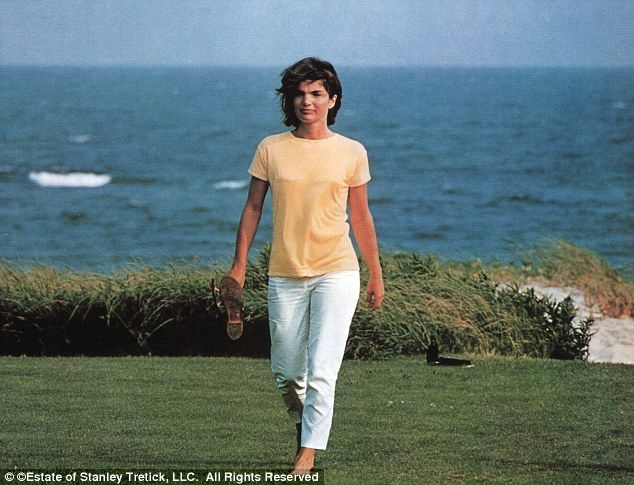 jacqueline kennedy onassis her hot legs