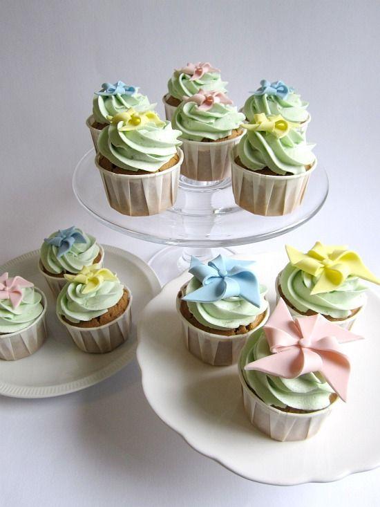How to make fondant pinwheel cupcakes.