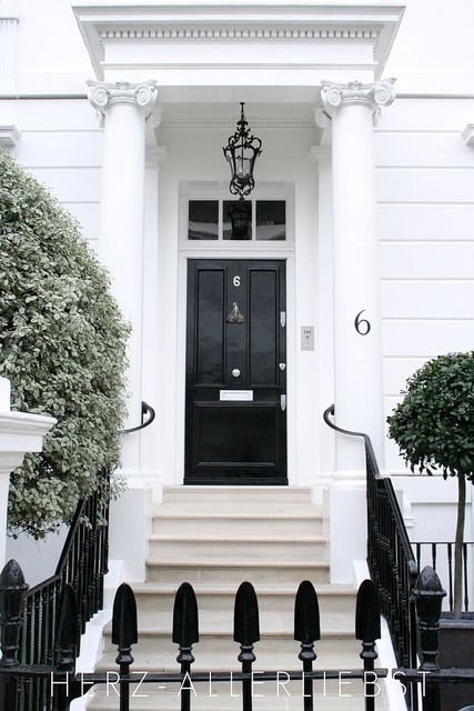 Home in London.  Love this entry!!