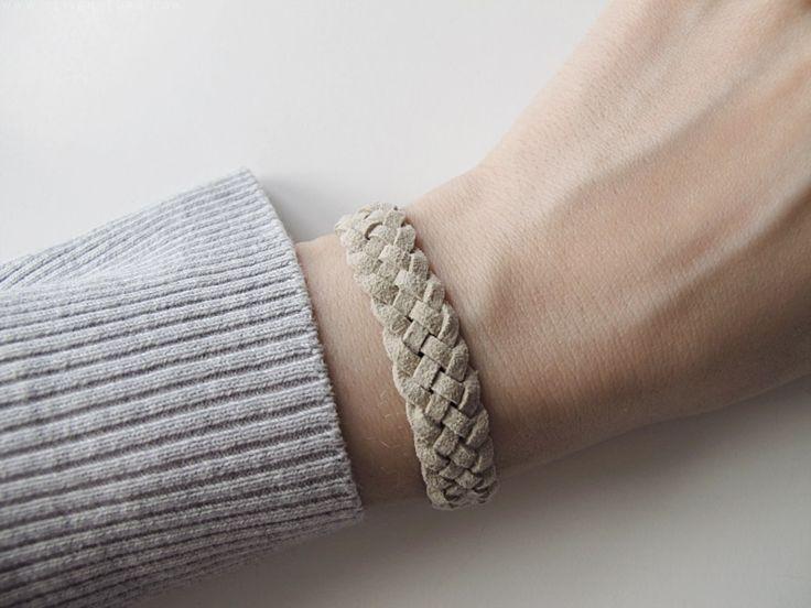 Leichte Armbandtechnik mit 5 Bändern