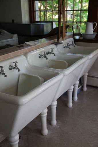 large, deep splash sinks. Got to find for laundry room.