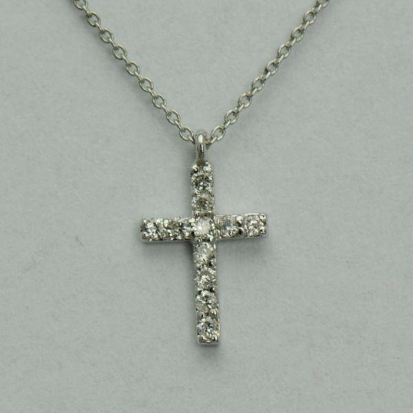 Lant cu pandantiv cruce de aur alb 18k cu diamante