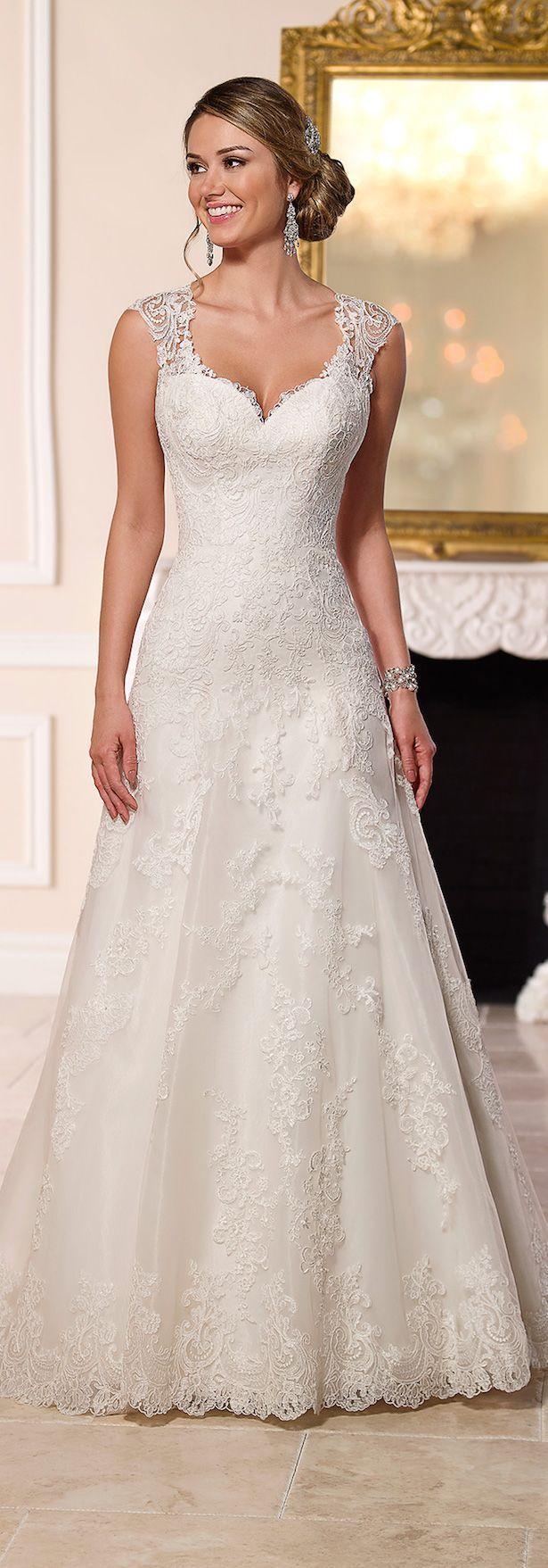 Stella York Spring 2016 Wedding Dress - Belle The Magazine (scheduled via http://www.tailwindapp.com?utm_source=pinterest&utm_medium=twpin&utm_content=post27084990&utm_campaign=scheduler_attribution)