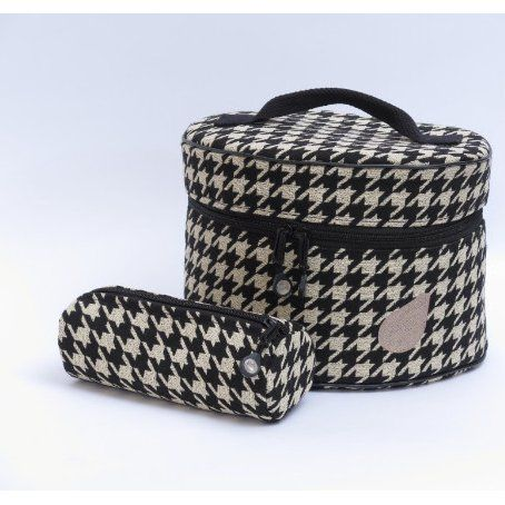 Blue Fig circular tote and zipper bag http://cart.jennys-sewing-studio.com/index.php?main_page=index&cPath=499_558
