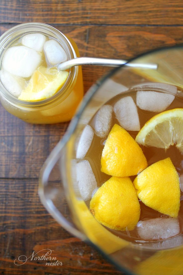 This Shinker/Moonshine combo tastes just like Southern Sweet Tea! A Trim Healthy Mama Fuel Pull, you refresh yourself with it this Summer, all day long.