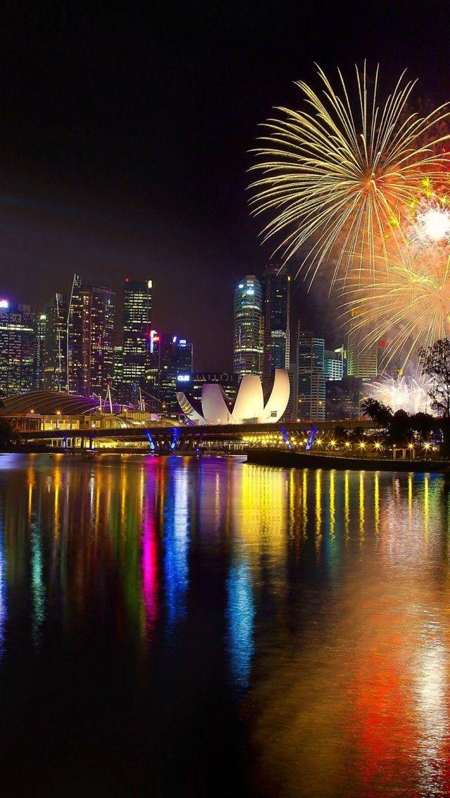 New-Year-Singapore-Fireworks-2014