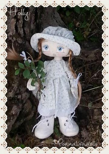 Holly www.fairymonnalisadolls.com