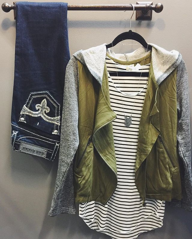 Outfit of the day || #OOTD Olive & Grey Side Zip Jacket $58 Basic Striped Tank $30 Rock Revival Skinny $169 #htwinter #shophoitytoity Shop in stores or CALL to order! 360.217.7684