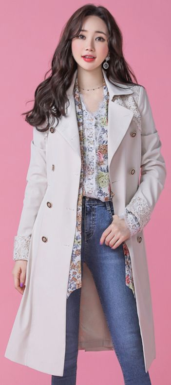 StyleOnme_Gold Floral Lace Detail Trench Coat #beige #lace #classy #trenchcoat #koreanfashion #kstyle #kfashion #springtrend #seoul #dailylook