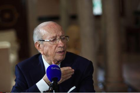 Jean-Pierre Elkabbach n'assurera plus l'interview politique matinale d'Europe 1. - soirmag.be