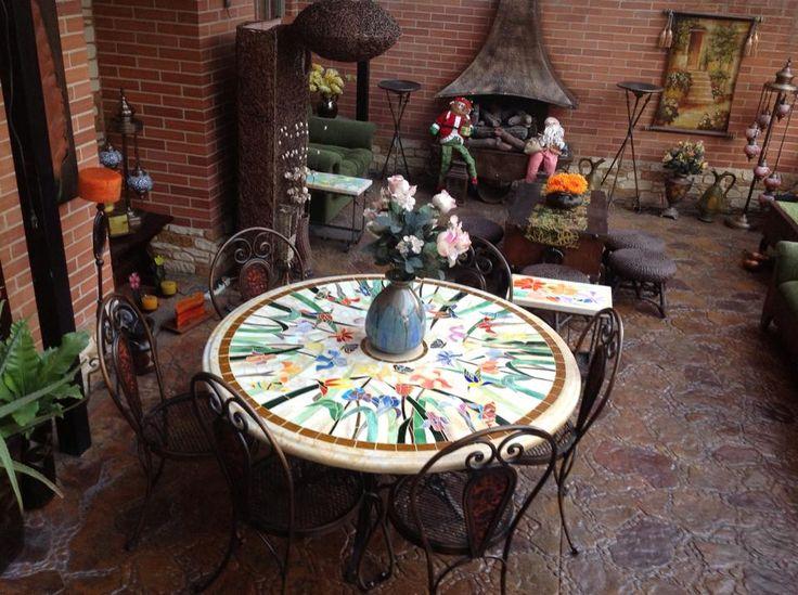 Comedor en hierro, piedra y vitral. diseños únicos. athosmuebles.com